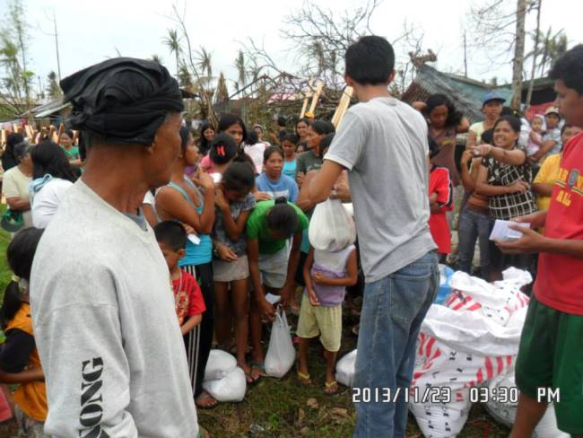 Relief distributed in Mayorga Leyte (1)