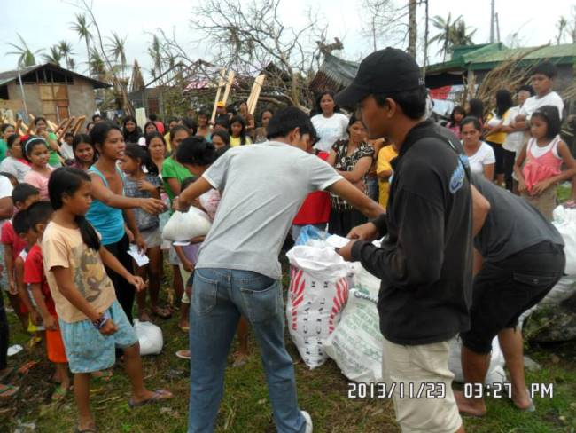 Relief distributed in Mayorga Leyte (3)