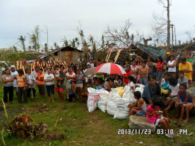 Relief distributed in Mayorga Leyte (5)