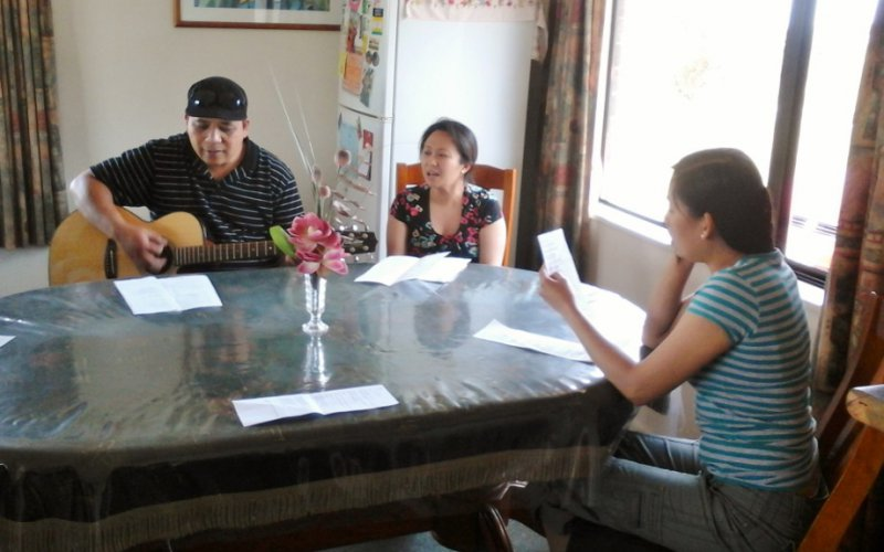 Singing, Sharing, Praying with parents (1)
